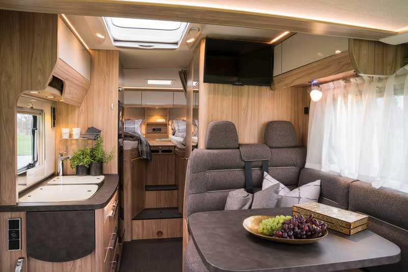neue exsis generation von hymer reisemobil pro. Black Bedroom Furniture Sets. Home Design Ideas