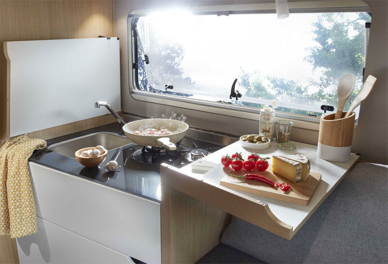t pfe und pfannen f rs wohnmobil reisemobil pro. Black Bedroom Furniture Sets. Home Design Ideas